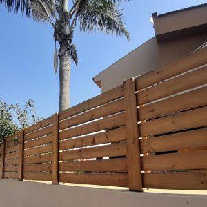 גדר עץ חומה פסים 0016