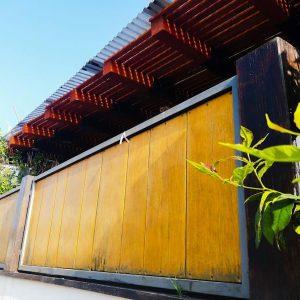 גדר עץ חומה 0018