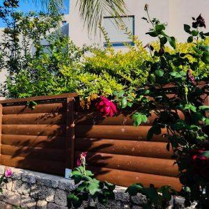 גדר עץ חומה 0022